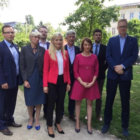 """Uchwała w sprawie przyjęcia programu polityki zdrowotnej """"Leczenie niepłodności metodą zapłodnienia pozaustrojowego – in vitro dla mieszkańców Wrocławia w latach 2017-2019"""""""