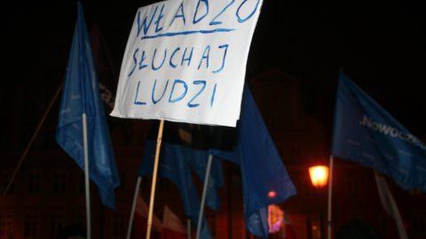 Protest w obronie demokracji i wolnych mediów